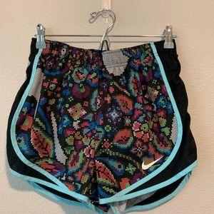 Nike Dri-Fit Womens running Shorts size Medium H2